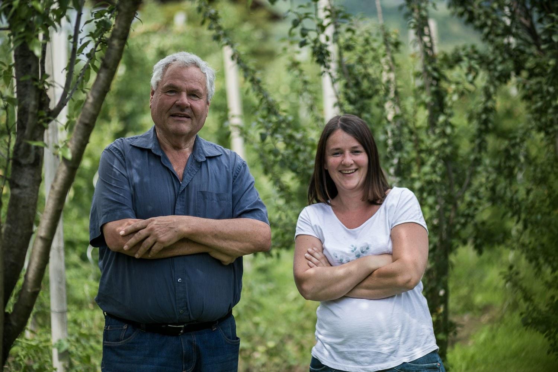Bio-Bäuerin Magdalena mit Vater Walter